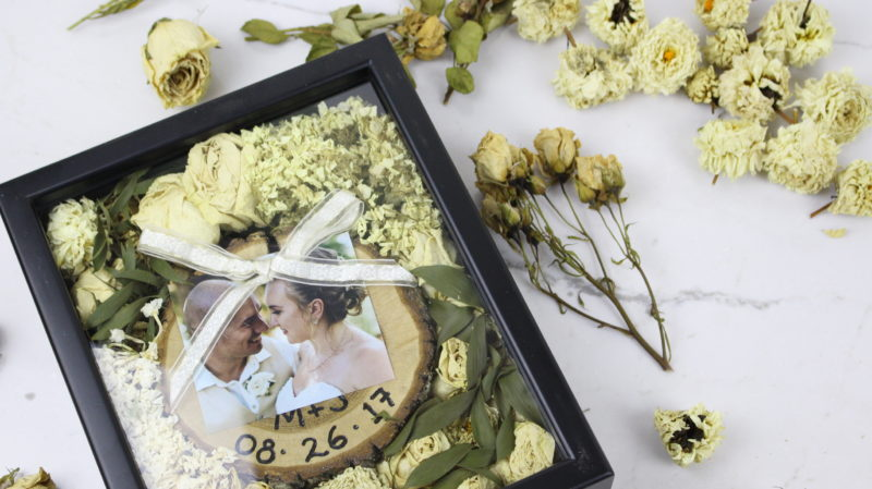 Check out this cute wedding DIY that shows you how to preserve your wedding bouquet and how to make this special keepsake wedding shadow box.