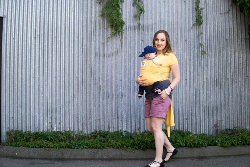 Stretchy baby wrap review featuring the moby wrap, boba wrap, and beluga baby wrap.