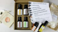 Simply Earth unboxing. A monthly essential oil DIY recipe subscription box.
